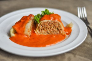 resep Beef Rolled with Garlic Cream Sauce